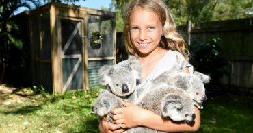 Ей всего 10 лет, а девочка спасла десятки коал... Удивительный ребёнок помогает животным выжить!